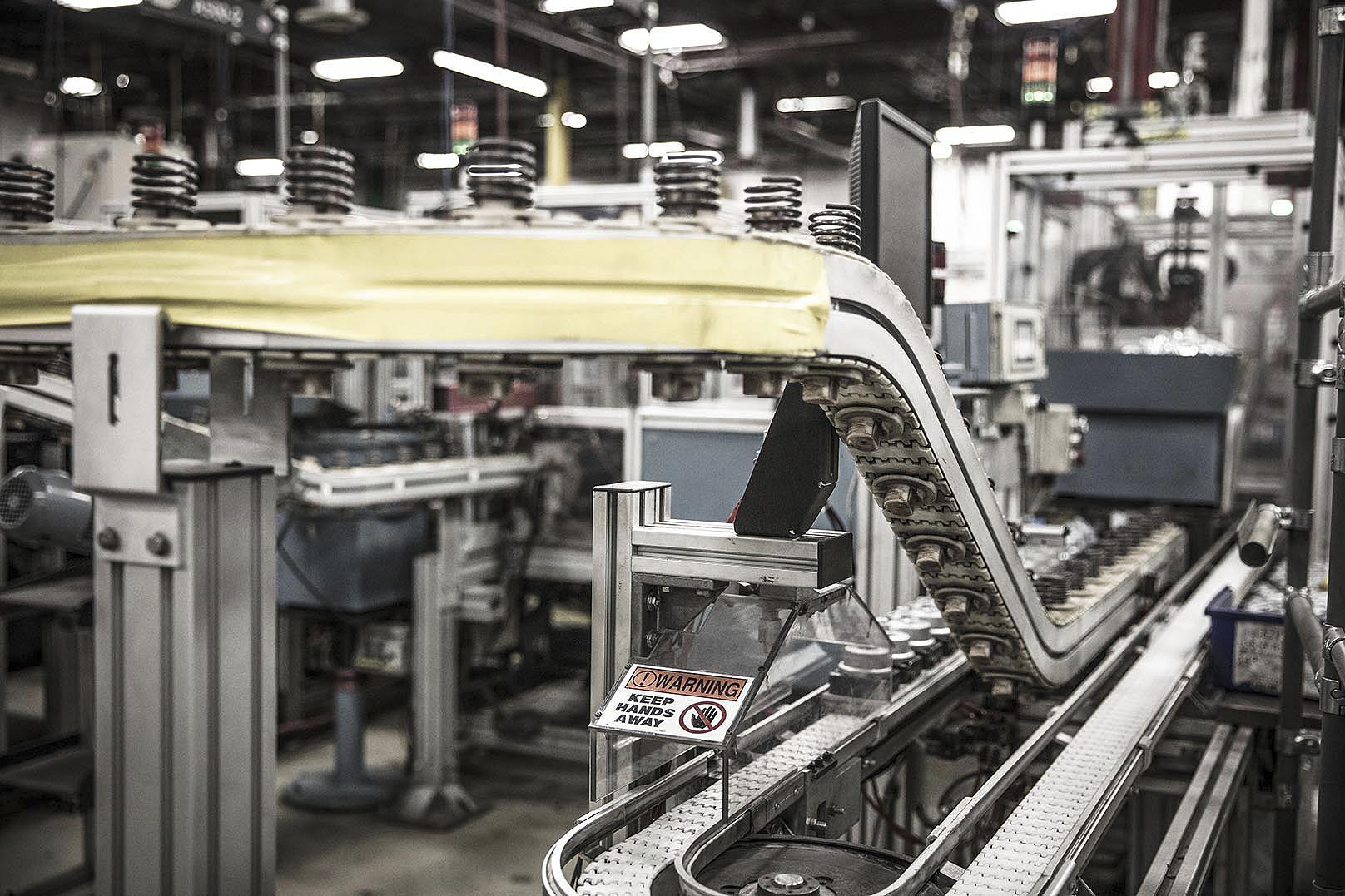 Manurfacturing conveyor system
